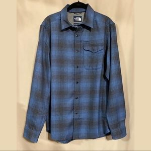 NWOT The North Face Plaid Button Up Shirt